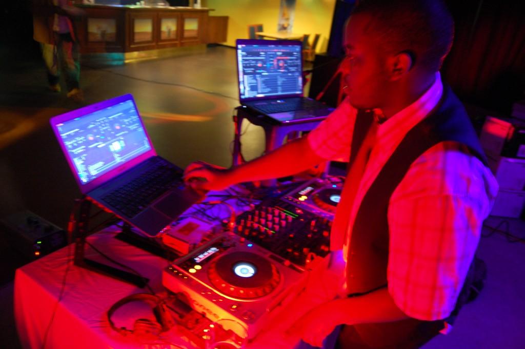 New Generation Sound, DJ-musiikkia ja tanssia