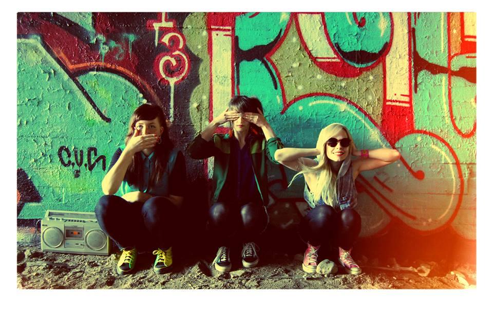 DJ:t Villi-Lilli, HakulaMatata ja Elina (klo 15-19)